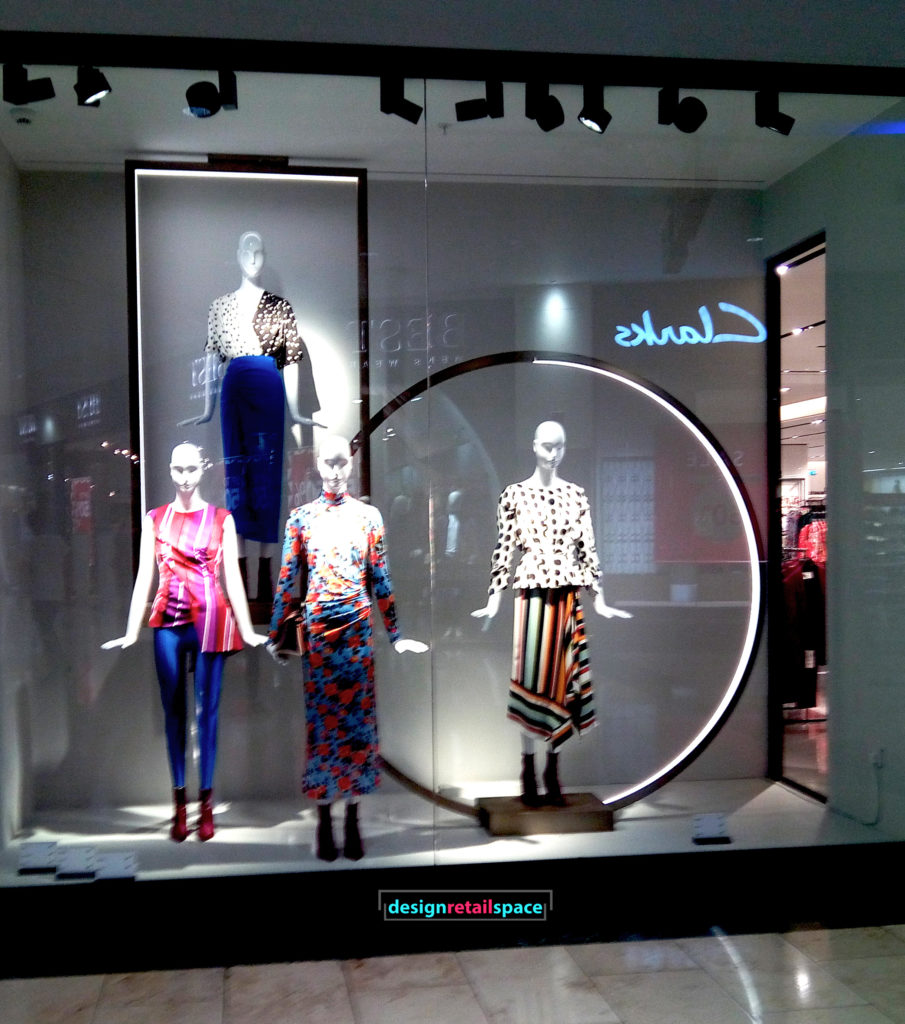 Exhibition Stand For Zara : Geometric trend in visual merchandising 2017