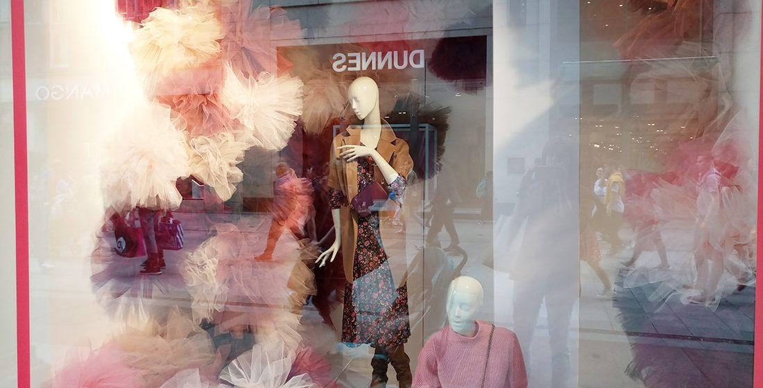 10 Best Fashion Window Display ideas Summer 2019